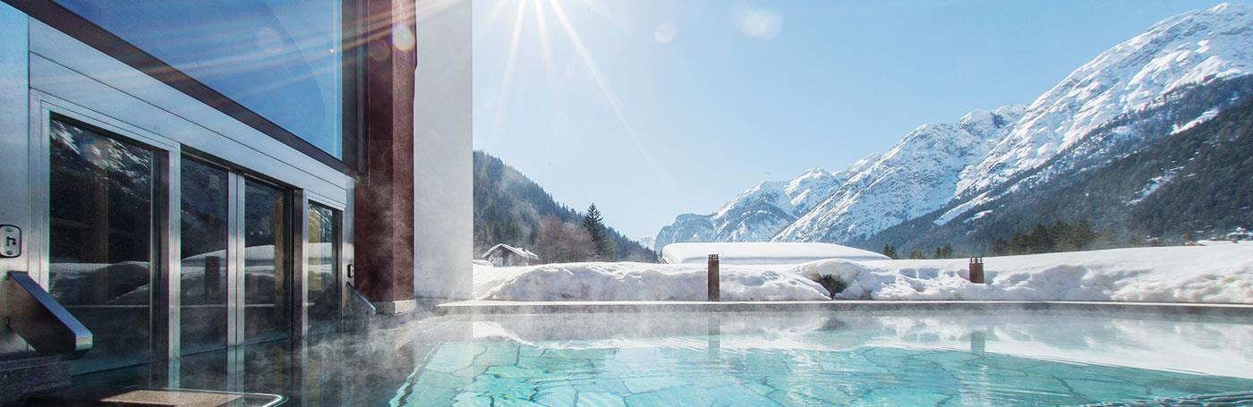 hotel santer outdoor-pool winter[2]
