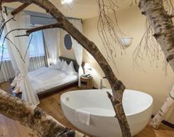 suite-lodge-704-ansicht-baum