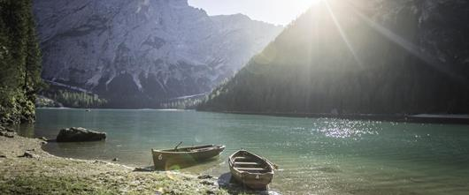 Hotelli Santer Landscape Braies Lake