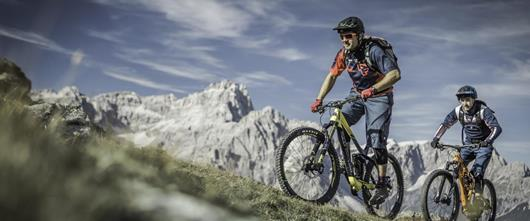 Hotel Santer Toblach mountain bike cycling in the Dolomites